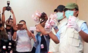 Barang bukti Operasi Tangkap Tangan (OTT) di wilayah Jakarta Utara/NUSANTARANEWS.CO FOTO/Rere Ardiansah