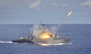 Tembakan dari KRI Imam Bonjol saat tangkap armada laut china/Foto Nusantaranews via Antara
