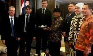 Dubes AS untuk Indoneisa Robert O Blake pamit ke Ketua DPR Ade Komarudin, di gedung DPR Jakarta, Kamis, (14/7)/Foto Nusantaranews via detik