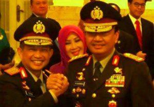 Kapolri Jenderal Tito Karnavian berjabat tangan dengan Wakapolri Komjen Budi Gunawan pasca pelantikan Kapolri di Istana, Jakarta, 13 Juli 2016/Foto Nusantaranews/Istimewa