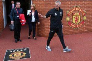 Pelatih anyar MU Jose Mourinho saat sesi perkenalan di Old Trafford/Foto via SemperFiUnited