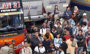 Penumpang di terminal kp rambutan/Foto Nusantaranews via terminaltipea