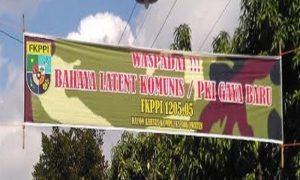 Spanduk peringatan bahaya laten komunis/PKI gaya baru FKPPI 1205.05 Rayon Khusus Kompleks Sokowaten Yogyakarta. (Foto: Nusantaranews/Eriec Dieda)