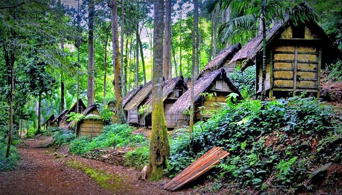 Mengakrabi Suku Baduy dalam atas nama cinta tradisi.