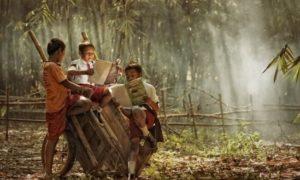 Anak-Anak Membaca Buku/Ilustrasi