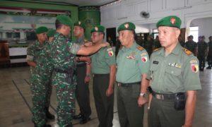 Serah terima jabatan di Aula Kodim 0824 Jember/Foto Nusantaranews (Sis)