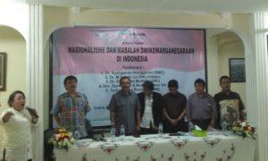 Menyanyikan Lagu Padamu Negeri, Akhir Diskusi Politik Oleh MSC/Foto nusantaranews/leman