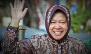 Tri Rismaharini melambai tangan/Foto nusantaranews via cindyfsumuan