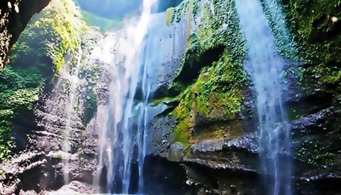 Air Terjun Madakaripura, situs Kerajaan Majapahit yang menakjubkan.
