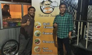 Dua Owner Mr IM usai acara Grand Opening/Foto nusantaranews/Ucok