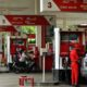 Aktivitas pengisian bensin di salah satu SPBU/Foto istimewa/Nusantaranews
