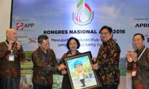 Menteri Perindustrian Airlangga Hartarto di acara Kongres Asosiasi Pulp dan Kertas Indonesia (APKI) 2016 di Jakarta, Rabu (19/10)/Foto: Dok. Kemenperin