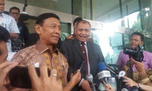 Menteri Koordinator bidang Politik, Hukum dan Keamanan (Menkopolhukam) Wiranto bersama Ketua KPK Agus Rahardjo. (Foto: Dok. NusantaraNews)
