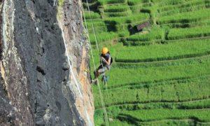 Aktifitas Climbing di Watu Semaur/Foto: Emer