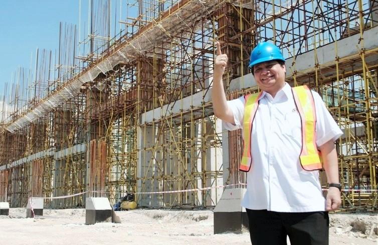 Menteri Perindustrian Airlangga Hartarto di lokasi pembangunan infrastruktur/Foto: Dok. Kemenperin