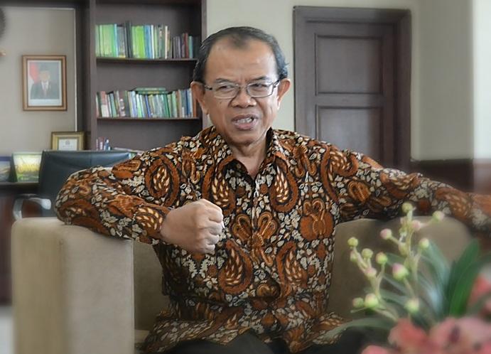 Dirjen Bimas Islam, Kementerian Agama, M. Machasin. Foto via mirajnews