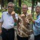 Foto Bareng Prof Amin Abdullah (kiri) Prof Iwan Pranoto (tengah) dan Prof Mayling Oey (kanan). Foto Dok. @iwanpranoto