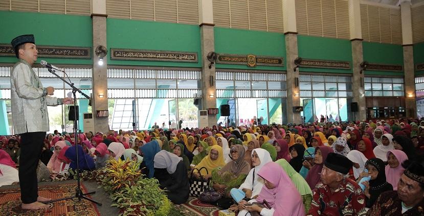 Gubenur Lampun Ridho Ficardo saat sambutan di Islamic Center, Bandar Lampung, Selasa (25/10/2016). Foto Hendra Wahyuno/Nusantaranews