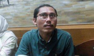 Pengamat Hukum YLBHI, Julius Ibrani usai diskusi publikasi di Bakoel Koffie Cikini, Kamis (6/10)/Foto: Fadilah / Nusantaranews