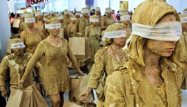 Dramatic Class di era Kapitalisme Globalisasi Gelombang Ketiga/Ilustrasi Foto: rifdoisme.wordpress.com