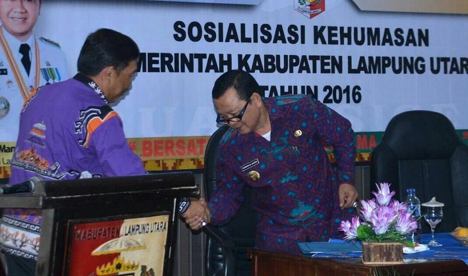 Kepala Dinas Komunikasi dan Informatika Provinsi Lampung, Drs. Sumarju Saeini. Foto Hendra/Nusantaranews