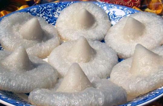 Limpiang Pinyaram kuliner tradisional Minangkabau. Foto IST