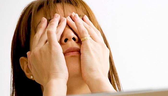Ini beberapa aktivitas harian yang bisa merusak mata.