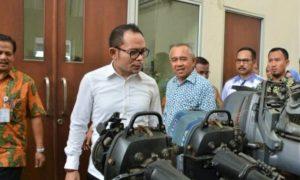 Menaker M. Hanif Dakhiri saat mengunjungi Balai Latihan Kerja (BLK) Pekanbaru, Kamis (6/10/2016)/Foto: Dok. Kemnaker
