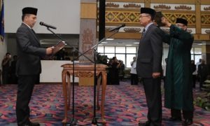 Pengambilan sumpah jabatan kepada Sutono sebagai Sekda Provinsi oleh Gubernur Lampun Foto Hendra Wahyuno/Nusantaranews