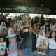 Menpora Imam Nahrawi didampingi istrinya Shobibah Rohmah menghadiri Roadshow, Talkshow, dan Gelar Musik Angklung Bank Musik di Saung Angklung Udjo, Padasuka-Bandung, Minggu (23/10)/Foto: Dok. Humas Kemenpora