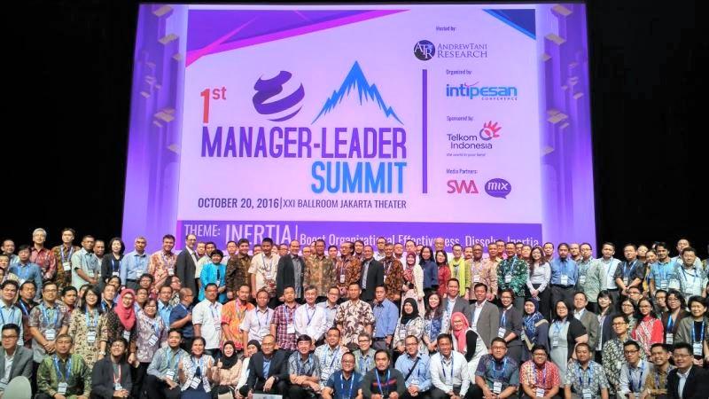 Foto Bersama Usai acara 1st Manager Leader Summit di XXI Balroom Djakarta Theatre, Jakarta (20/10/2016)/Foto: Dok. Humas Kominfo