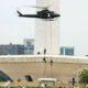 Manuver 4 (empat) helikoper TNI Angkatan Darat (AD) di udara Kompleks Istana Kepresidenan, Kamis (3/11) siang/Foto: dok. cnn indonesia