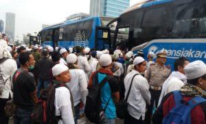 Bus pengangkut Aksi Massa Demo 411 lalu. Foto via Elshinta