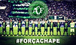Duka mendalam publik sepakbola brazil terhadap tragedi Chapecoense. Foto via Paul Pogba