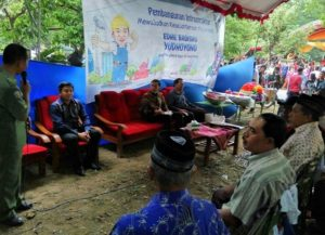 Anggota Komisi X DPR RI, Edhie Baskoro Yudhoyono saat Tilik Desa ke Kabupaten Trenggalek/Foto Nur Cholis / Nusantaranews