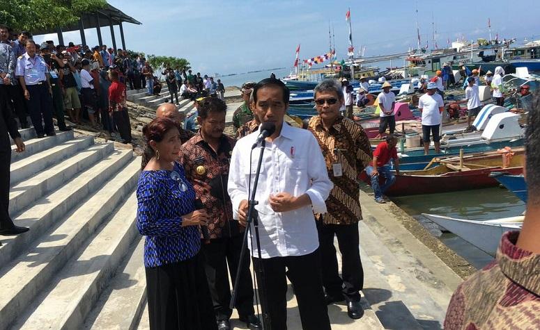 Presiden Jokowi, meresmikan Pelabuhan Perikanan Untia di Kecamatan Biringkanaya, Makassar, Sulawesi Selatan, Sabtu (26/11/2016)/ Foto: Dok. Humas KKP