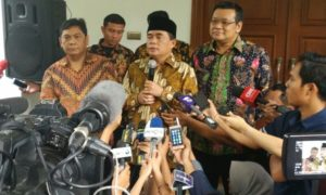 Ketua DPR Ade Komarudin menyambangi kediaman ketua umum PDI Perjuangan Megawati Soekarno Putri. Foto Hatiem/Nusantaranews