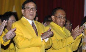 Ketua Dewan Pembina Partai Golkar Aburizal Bakrie dan Wakil Ketua Dewan Kehormatan Partai Golkar Akbar Tanjung. Foto IST