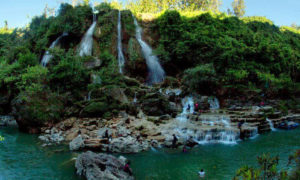 Pesona Waterfall Sri Gethuk gunung Kidul. Foto Via Mahesawisatajogja