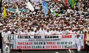 (Ilustrasi) Ribuan Massa Penuhi Jakarta pada aksi Bela Islam Jilid II. Foto Via Okezone