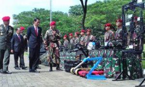 Presiden Joko Widodo sambangi Markas Komando Pasukan Khusus (Kopassus) di Cijantung, Jakarta Timur, Kamis (10/11)/Foto: dok. tribunnews