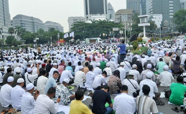 Massa Aksi Bela Islam III Gelar Sajadah di Jl Thamrin Hingga Patung Kuda/Foto: Dok. Muhammad Subki (Istimewa)
