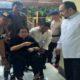 Dgn menggunakan kursi roda, bu Rachmawati di bawa ke Mako (Brimob) dgn tuduhan makar/Foto: Istimewa (@bintangku206)