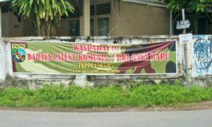 Spanduk: Waspadai Bahaya Laten Komunis / PKI Gaya Baru, FKKPI 1205.05, Rayon Khusus Kompleks Sorowajan/Foto: Risikiana/ NUSANTARAnews