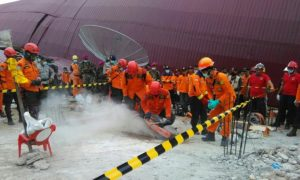 Basarnas bersama BNPB dan TNI/Polri terus melanjutkan proses evakuasi korban gempa Aceh/Foto Andika /NUSANTARAnews