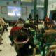 Warga Ponorogo menyaksikan laga Timnas Indonesia melawan Thailand di Makodim 0802/Ponorogo/Foto Nurcholis