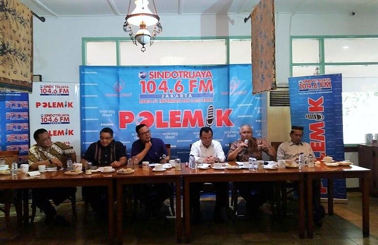 Diskusi publik bertajuk 'Dibalik Serbuan Warga Asing', di Warung Daun, Cikini, Jakarta Pusat, Sabtu, (24/12/2016)/Foto Fadilah/NUSANTARAnews