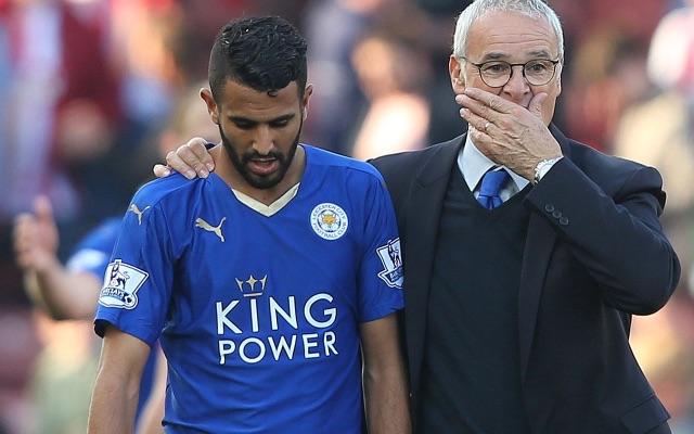 Manajer Leicester City, Claudio Ranieri Tampak Menenangkan Riyad Mahrez. Fot/Ist