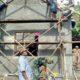 Karya Bhakti Koramil 0808/15 Gandusari, Bantu Benahi Rumah Warga/Foto Her