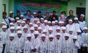 Peserta Khitanana Massa yang diadakan oleh Kodim 0824 Jember bekerjasama PP Nurul Qurnain. Foto Sis/Nusantaranews